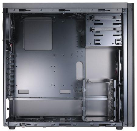 Lian Li PC-7H - obudowa bez luksusów - wnętrze